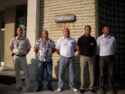 Петимата полицаи, обвинени за смъртта на Ангел Димитров-Чората СНИМКА: Антоанета Маскръчка