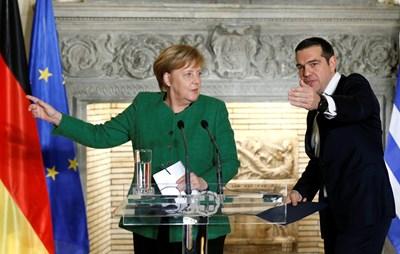 Ангела Меркел и Алексис Ципрас се срещнаха вчера в Атина СНИМКА: Ройтерс