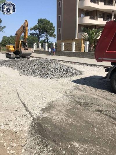 На различни места в Слънчевбряг се изграждат нови улици.