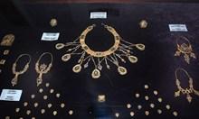 40 г. по-късно разкриват: Селянки задигнали накити от Преславското златно съкровище