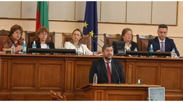 Христо Иванов отовори на Тошко Йорданов: Не сме кадрували, само дадохме министрите за пример