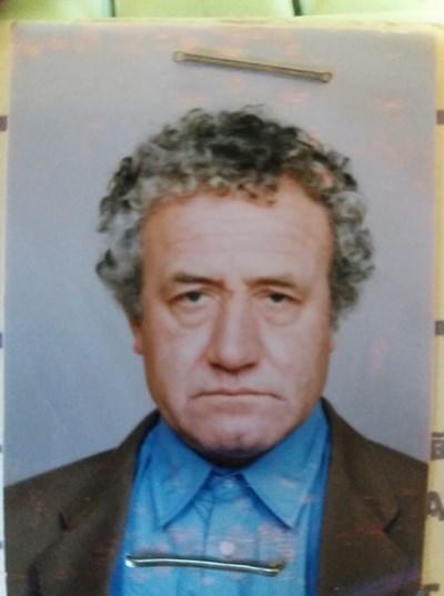 От кметството на Христо Даново разпространиха снимка на изчезналия мъж и чакаха някой да се обади дали го е открил.