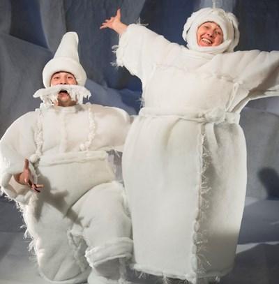 Нина Димитрова и Димитр Несторов играят спектакъла.