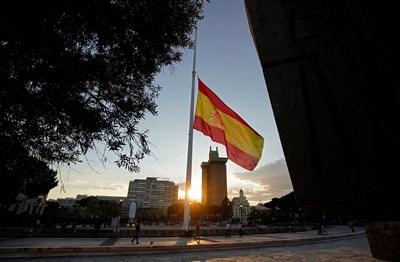 Да просят храна за пръв път в живота си - такава е участта на хиляди испанци, затънали заради пандемията в бедност СНИМКА: Ройтерс
