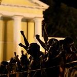 Десетки хиляди демонстранти участваха в протестно шествие във Вашингтон СНИМКИ: РОЙТЕРС