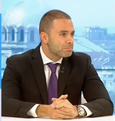 Депутатът от ГЕРБ Александър Ненков КАДЪР: БНТ