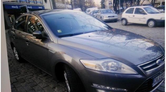 Екшън в София! Крадец влачи собственика на колата 50 метра и го хвърля под движещ се бус