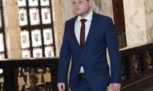 Трима българи и германец арестувани за киберизмами за 80 милиона евро по  схемата на Гал Барак