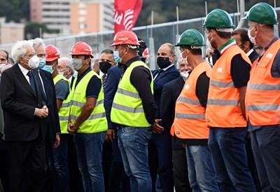 Италианският президент присъства на церемонията по откриването на новия мост в Генуа СНИМКИ: Ройтерс