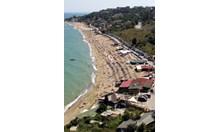 "Половин декар плаж ""глътна вода"" край Варна"