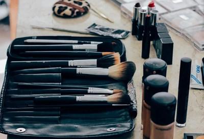 Повече от половината масово използвани козметични продукти като червила, спирали, пудри, съдържат високи нива на опасни химикали СНИМКА: Пиксабей