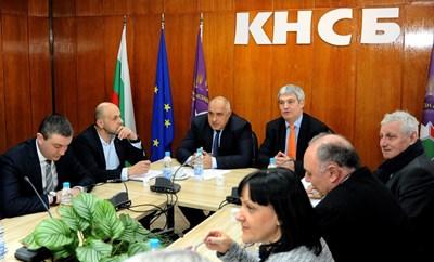 Продължава срещата между КНСБ и ГЕРБ. Снимки ДЕСИСЛАВА КУЛЕЛИЕВА