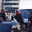 Журналистката Ива Николова разменя реплики с протестиращите, които я нападнаха с яйца.