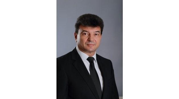 Депутатът Мартинов рекетирал търговец за суджуци, уж за премиера