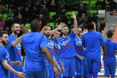 "Играчите на ""Левски Лукойл"" успяха да се промъкнат на финала. СНИМКА: Lap.bg"