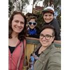 Шон, който вече е Сара, съпругата му Джени и децата им са щастливи, че са обявили голямата промяна в семейството си.