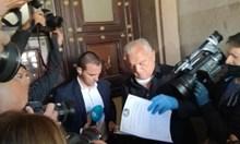 """Сашо Диков донесе акциите на """"Левски"""" в Министерския съвет"""