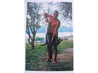 Костадин Костадинов твърди, че уловът на сом е висш пилотаж в рибарството. СНИМКА: ЛИЧЕН АРХИВ