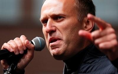 През април Туитър, а после и ТикТок бяха осъдени на по-тежки от обичайното глоби затова, че не са заличили призиви към непълнолетни да протестират в подкрепа на Алексей Навални. СНИМКА: РОЙТЕРС