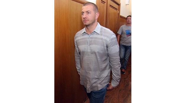 Кристиян Бойков към шефа си: НАП заминава, ударихме на бате Бойко машината и окрадохме всички документи (Обзор)