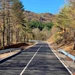 """Близо 18 млн. лева са вложени в ремонта на пътя, изпълнител е обединение между """"Джи Пи Груп"""" и """"Контратас Инглесиас""""."""