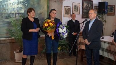 Кметът на Търговище д-р Дарин Димитров поздрави стрелкинята Антоанета Бонева, която отново е в челото на най-успешните спортисти.