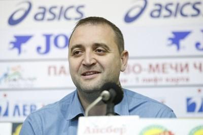 """Иван Петков върши много добра работа в пловдивския """"Марица"""", сега получава шанс да води и женския национален тим. СНИМКА: Lap.bg"""