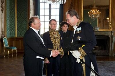 Светлан Стоев (вляво) като посланик в Швеция през 2012 г.