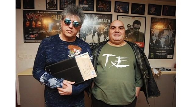 Иван Несторов - Амебата и Димитър Ковачев - Фънки: Започнахме от едно бюро. Врата, подпряна на четири каси