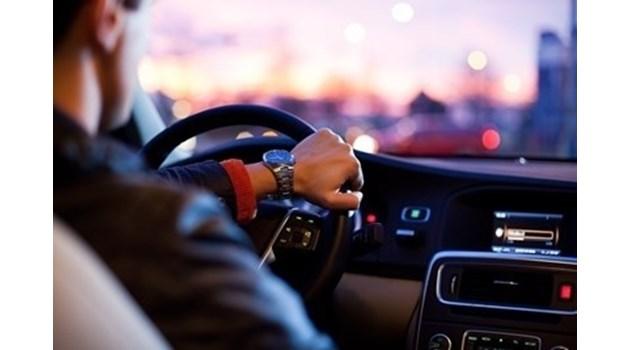 Засякоха шофьор със 129 км/ч при ограничение от 50 км в Разградско