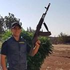 Мохамед позира с оръжие - тази снимка е качена в профила му в Инстаграм