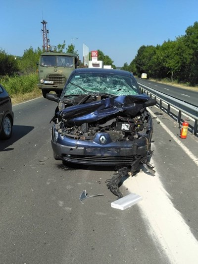 Катастрофата по пътя Бургас-Созопол, малко след кръстовище Атия, се размина без жертви и ранени.