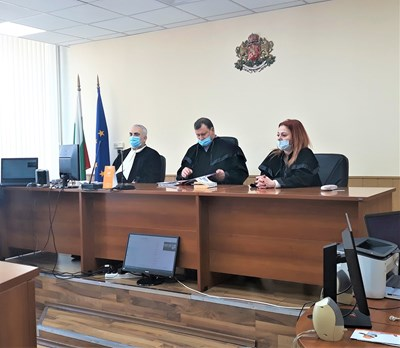 Съдът остави Даниел Кръстев в ареста.