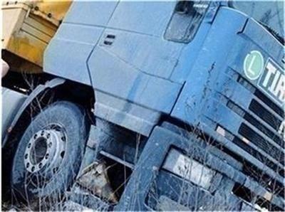 Тир и кола се блъснаха на Околовръстното в София