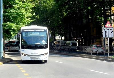 10 градски автобуса променят частично маршрутите си.