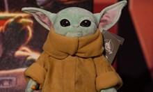 Плюшено бебе Йода най-търсено за Коледа