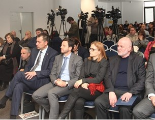 """""""24 часа"""" и МРРБ събраха кметове и областни на дебат за новото райониране"""