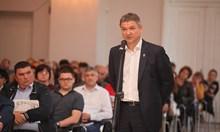 Пламен Бобоков: Дали пък чатовете не са взети от телефона на президента?