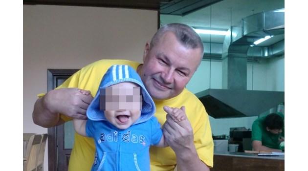 Съвпадение: Николай, строполил извадилия нож в метрото мароканец, е съдружник на бащата на отвлечения Адриан