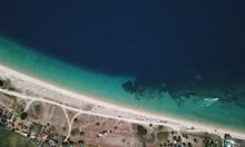 Гръцка драма - мътно и зелено море