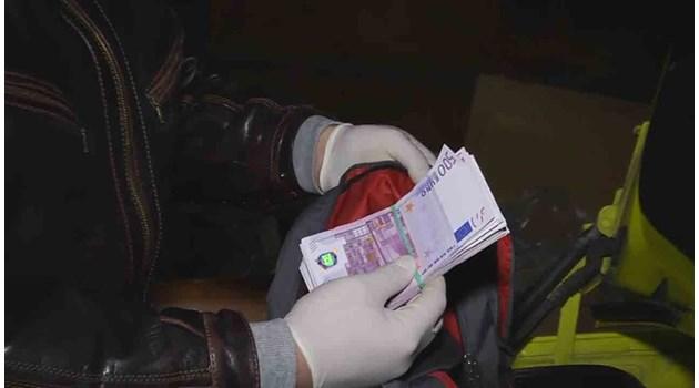 Испанец и двама българи отпечатаха фалшиви 2,9 милиона евро