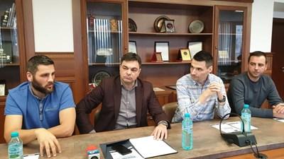 От ляво на дясно: Димитър Караиванов, Иво Димов, Ангел Ангелов, Христо Сталев