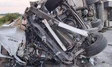 """Очевидец от катастрофата на АМ """"Тракия"""": Страшна гледка, 3 смачкани коли, гъст пушек"""