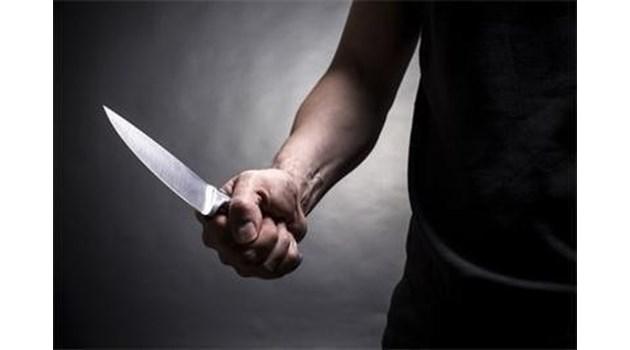 Пиян наръга с нож съпругата си и брат й във Видинско