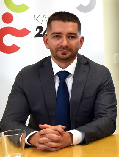 """Слави Василев: Кабинет, гласуван със """"златния глас"""" на БСП, или на ДПС, ще има над година живот"""