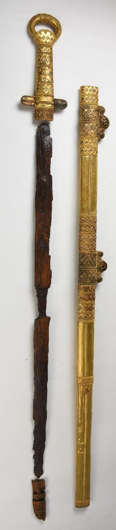 Мечът на хан Кубрат, който много рядко напуска трезора на световния музей Ермитажа.