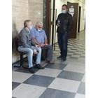 Тримата инспектори пред съдебната зала