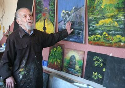 Незрящият художник подготвя нова изложба СНИМКА: Евгени Цветков