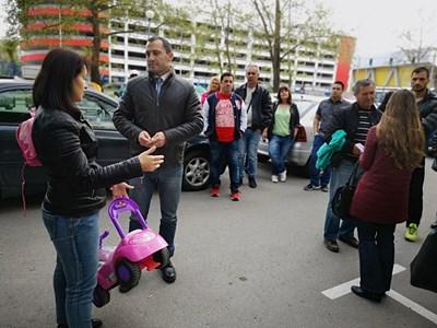 Ральо Ралев увери хората, че ще изгради още места за паркиране.