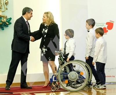 Президентът Росен Плевнелиев със семейство, включило се в кампанията.